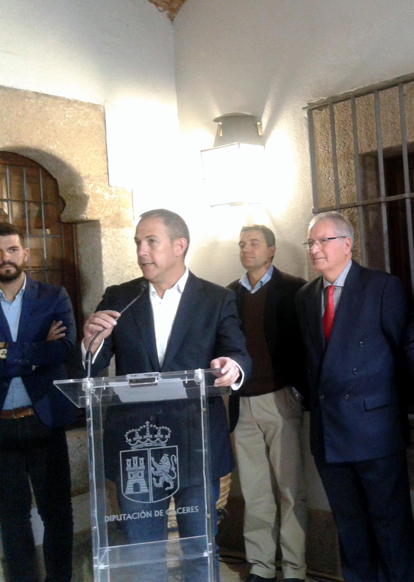 alfredo-aguilera-alcalde-malpartid-en-la-inauguracion-del-itinerario-azv-2016